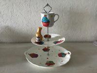 Etagere Vintage aus Oma ´s schönem Geschirr handmade neugestaltet - Muffins